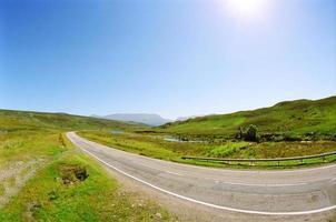 route et ciel bleu photo