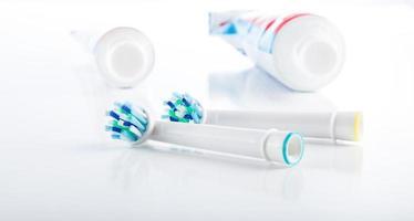 hygiène bucco-dentaire, brosse à dents, dentifrice soins dentaires professionnels photo