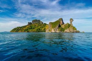 bateau en bois koh kai krabi thailande photo