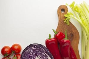 vue de dessus arrangement de légumes mise à plat photo