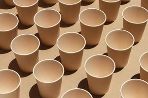 assortiment de tasses à grand angle photo