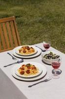 savoureux arrangement de saucisses au chorizo à la maison photo
