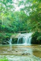 cascade mae sa en thaïlande photo