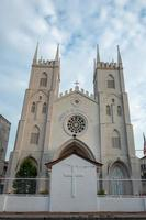 l'église inclinée de st francis xavier à malacca en malaisie photo