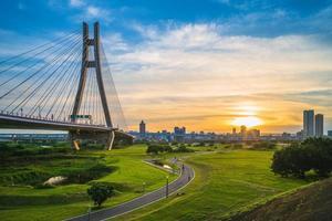 nouveau parc métropolitain de taipei, parc riverain du canal de dérivation d'erchong photo