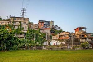village d'artistes de la colline au trésor de taipei à taipei, taiwan photo