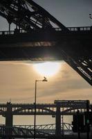 Tyne et ponts de haut niveau à Newcastle, Angleterre photo