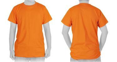 t-shirt orange vierge sur fond blanc photo