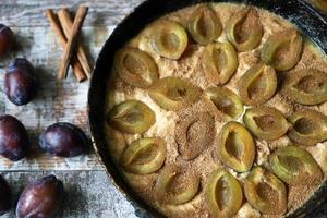 tarte aux prunes maison cuisson gâteau aux prunes photo