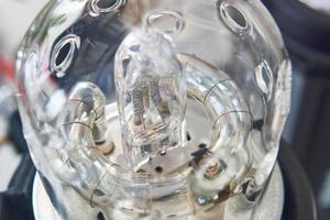 Macro photo gros plan de l'ampoule flash studio