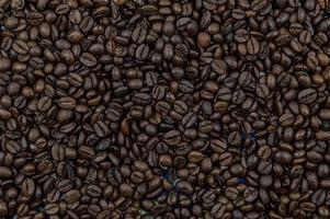 texture des grains de café torréfiés photo