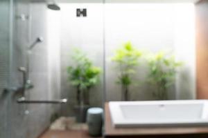 abstrait flou bel intérieur de salle de bain de l'hôtel de luxe photo