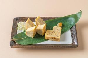 tamagoyaki, omelette roulée japonaise photo