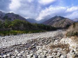 belle rivière de montagne. seoraksan, corée du sud photo