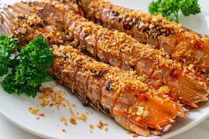 crevettes mantis frites à l'ail photo
