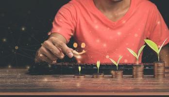idée d'investissement pièces empilées illustration de croissance d'entreprise photo