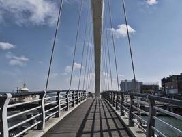 grand beau pont dans la ville de gangneung, corée du sud photo