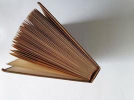 matériel pédagogique avec de la littérature pour obtenir des connaissances et des informations photo