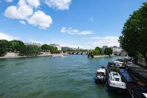 vue sur paris depuis le pont neuf paris france photo