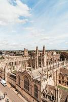 High angle view of high street d'Oxford City, Royaume-Uni photo