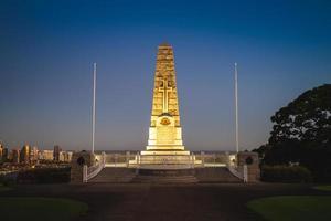 Le cénotaphe commémoratif de guerre d'état à Perth, Australie photo