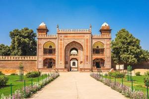 Porte d'entrée du tombeau d'itimad ud daulah à Agra, Inde photo