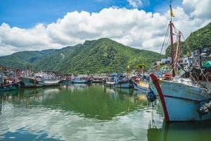 port de pêche de daxi situé dans le comté de yilan, taiwan photo