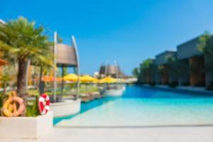 flou abstrait piscine défocalisé dans un hôtel de luxe photo