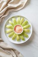 trempette de goyave avec piment et sel photo