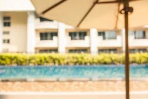 flou abstrait et défocalisation piscine extérieure photo