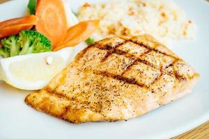 steak de filet de saumon photo