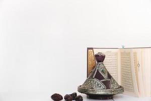 concept de ramadan avec coran. beau concept de photo de haute qualité