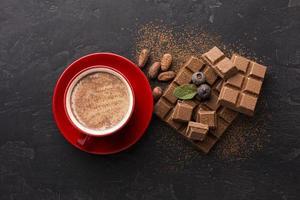 vue de dessus de boisson au chocolat sucré. beau concept de photo de haute qualité