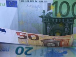 économie et finance avec de l'argent européen photo
