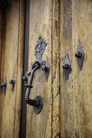 porte médiévale en bois photo
