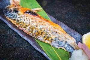 poisson saba grillé photo