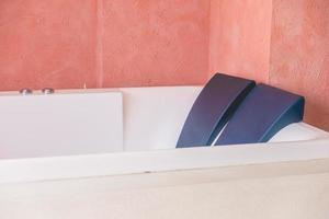 intérieur de décoration de baignoire photo