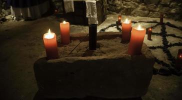 rituels d'autel sataniques photo