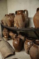 objets anciens en terre cuite photo