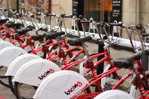 Utilisation éditoriale, service de location de vélos à Barcelone, Espagne, août 2018 photo