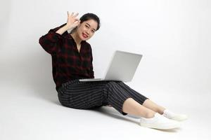 femme asiatique en studio photo
