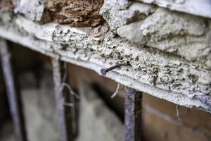 clou rouillé en bois photo