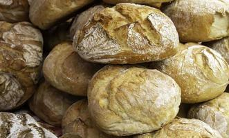 petits pains avec de la farine photo
