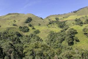 piste visuelle de la piste d'or dans la chaîne de montagnes bocaina photo
