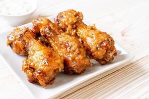 poulet frit avec sauce à la coréenne photo