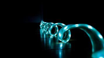 Ruban de lumière froide, bande led bleue pour l'éclairage d'intérieur et de bureau photo