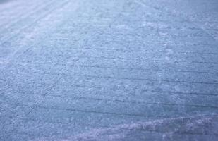 glace sur vitre de voiture photo