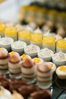 restauration traiteur, dessert et sucré, mini canapés, snacks et apéritifs, restauration événementielle, confiserie photo