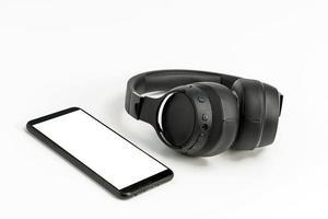 casque avec technologie bluetooth sur fond blanc photo