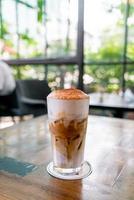 Café cappuccino glacé dans un café-restaurant café-restaurant photo